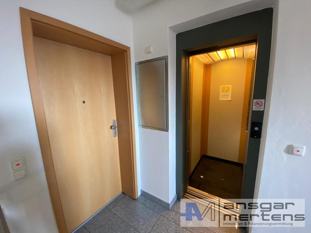 Wohnungstür vs. Aufzug