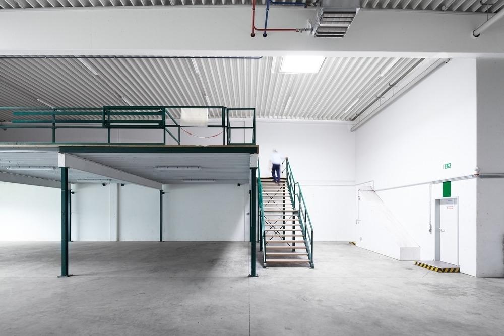 Lager Empore Gebäude C